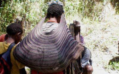 Tas Papua dari kulit kayu? seperti apasih. Yuk, langsung dibaca